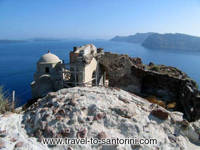 Remnants of the Venetian castle. Therasia in the background. SANTORINI PHOTO GALLERY - OIA