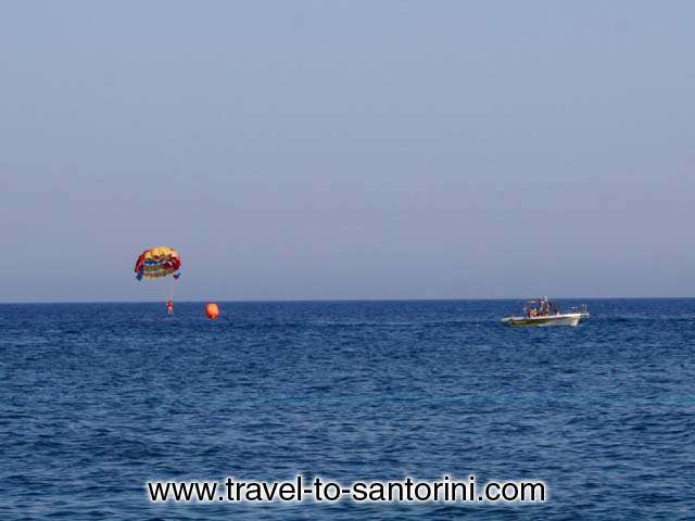 PARACHUTE - A parachute boat tour for the funs of such sports