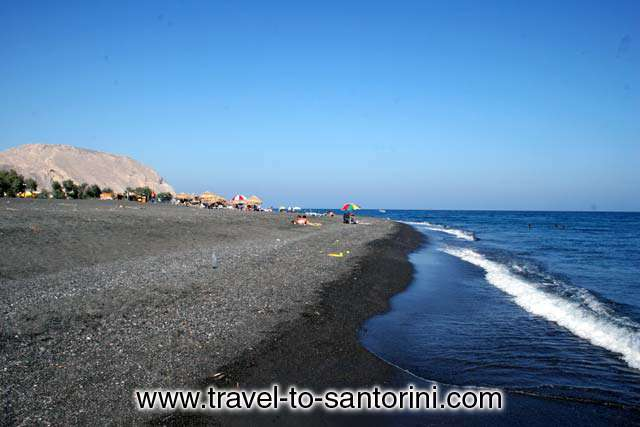 Perivolos beach - View of Perivolos beach with the mountain of Profitis Ilias in the background