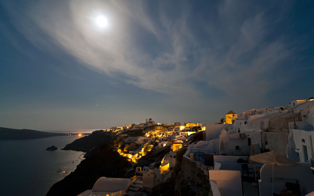 Oia after sunset - View of Oia caldera from Perivolas area just after sunset