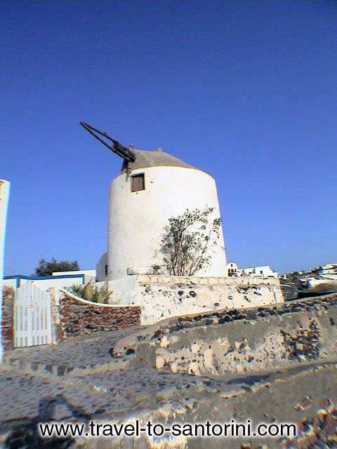OIA - Windmill in Oia