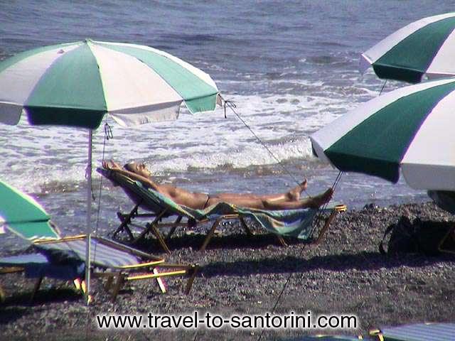 KAMARI BEACH -