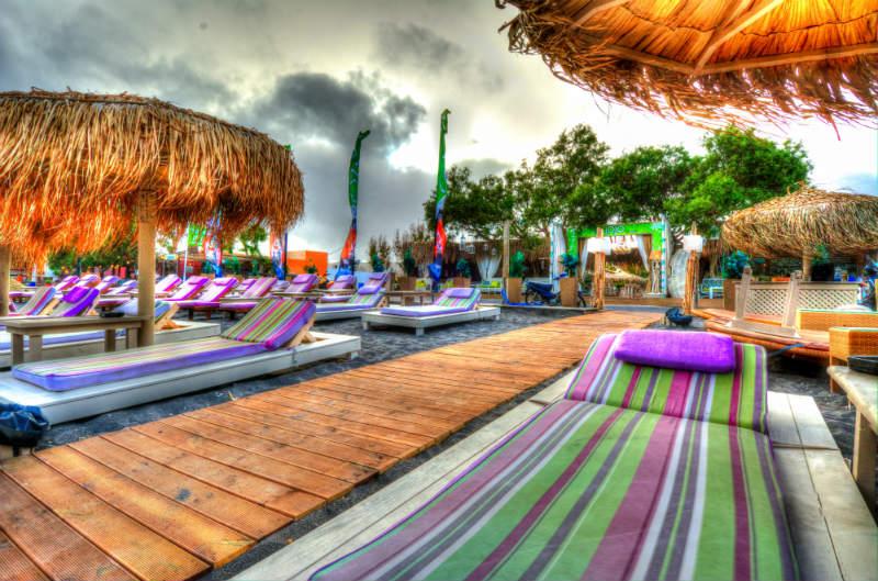 Jojo Beach Bar Beach Bar In Perivolos Santorini Greece