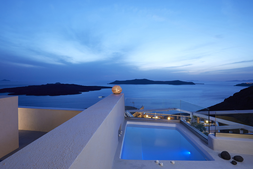 SANTORINI ROYAL SUITES IN  Fira