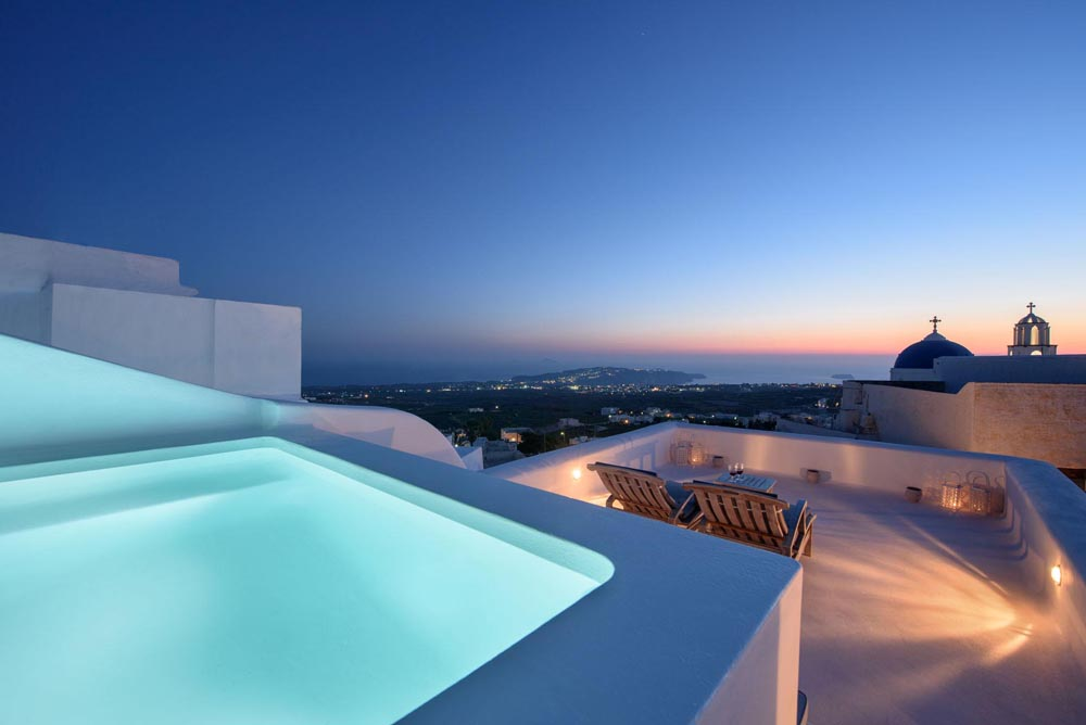 SENSES LUXURY VILLAS IN  Pyrgos Santorini