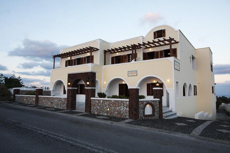 HOTEL NEMESIS IN  Fira