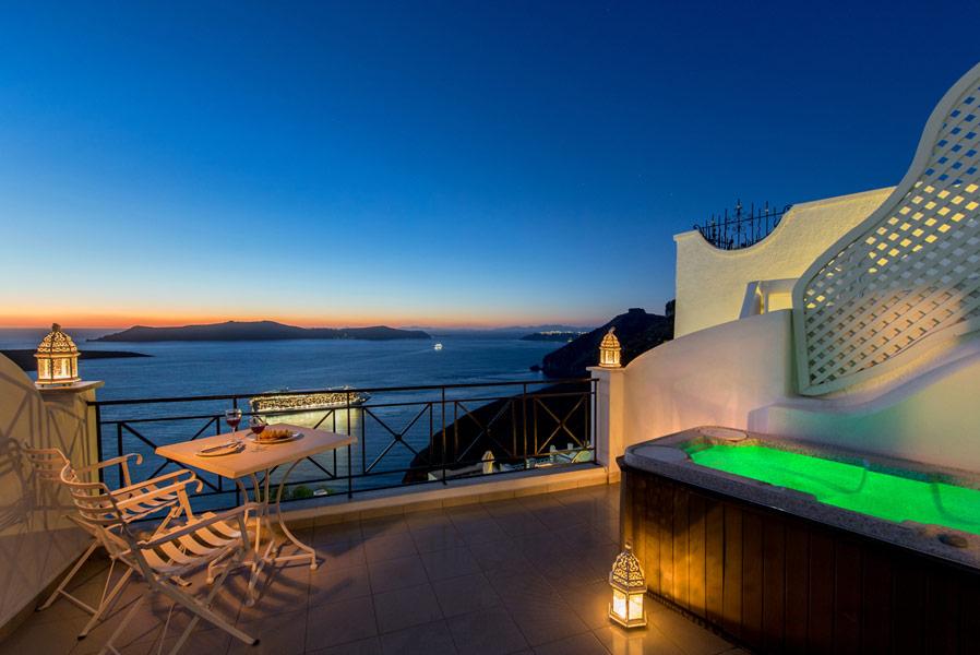 double de luxe of hotel villa renos hotels in fira santorini greece. Black Bedroom Furniture Sets. Home Design Ideas