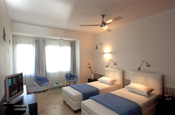 Majestic Hotel Santorini Triple Room