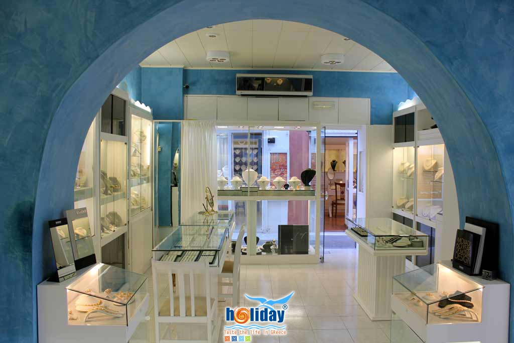 GEORGE ARGYROS JEWELLERY IN  Fira