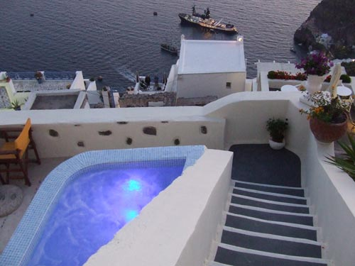 IRIANA APARTMENTS IN  Fira