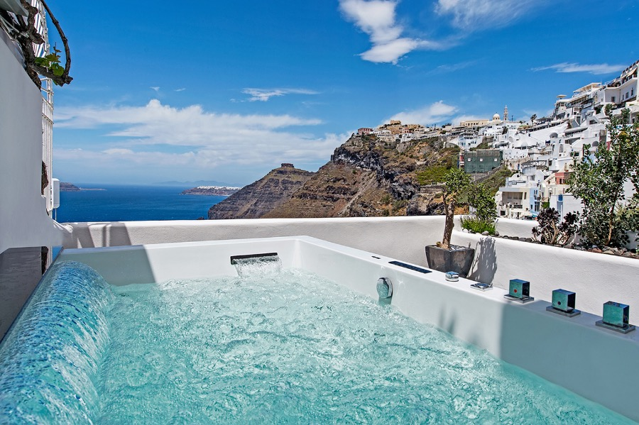 PORTO FIRA SUITES IN  Fira