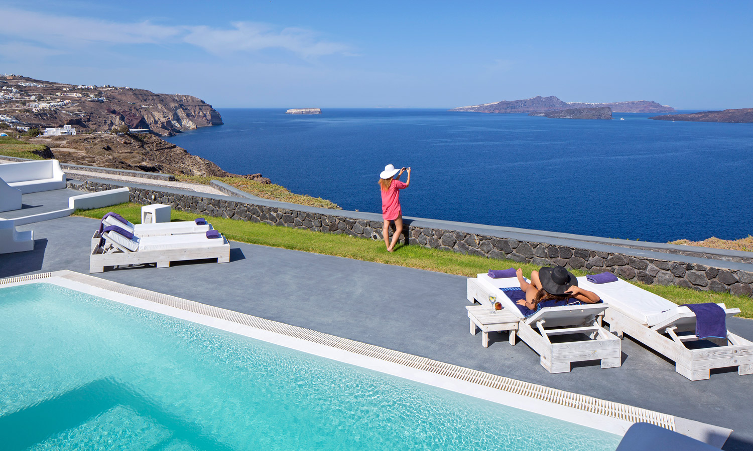 SANTORINI PRINCESS SUITES IN  AKROTIRI