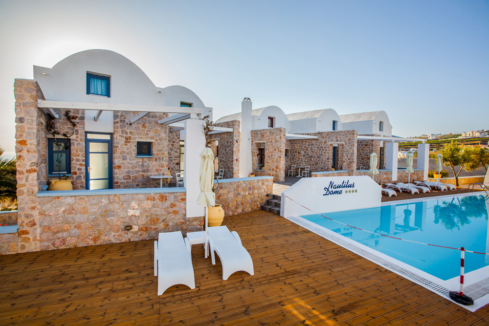 NAUTILUS DOME SUITES & APARTMENTS IN  Agia Irini Fira